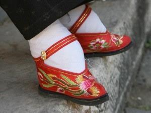 Sapato Chinês Muito Antigo